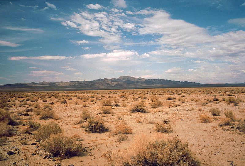 800px-death_valley19820816desertincoming_near_shoshones.jpg