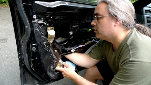 michael-fixes-crv-door-1.jpg